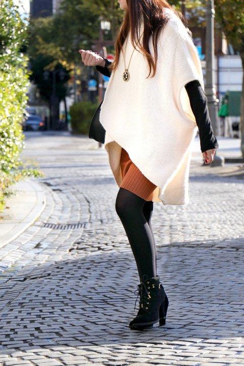 LOVESTITCHのTamaraSweater/海外ファッションが好きな大人カジュアルのためのLOVESTITCH(ラブステッチ)のトップスやニット・セーター。重ねた見頃とファンネルネックが可愛いオーバーサイズニット。アンゴラ混の柔らか素材でカジュアル感の中に高級感が感じられます。/main-9