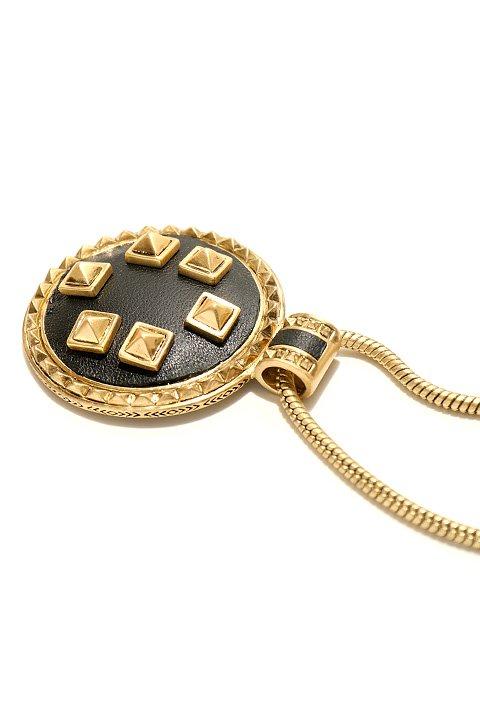 HouseOfHarlow1960のHeliconMedallionNecklace/ニコールリッチーが手掛けるアクセサリーブランド、HouseOfHarlow1960(ハウスオブハーロウ)のアクセサリーやネックレス。ブラック&ゴールドの人気のコンビネーションカラーのネックレス。ゴールドのスタッズにブラックのレザーが高級感を醸し出します。/main-7