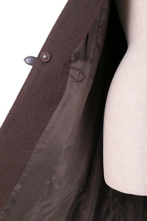France直輸入のFrontBuckleCoat大人カジュアルに最適な海外ファッションのothers(その他インポートアイテム)のアウターやコート。フロントのストラップがアクセントのコート。カーキのカラーリングや肩のエポレットはどことなくミリタリーの雰囲気もあります。/main-10