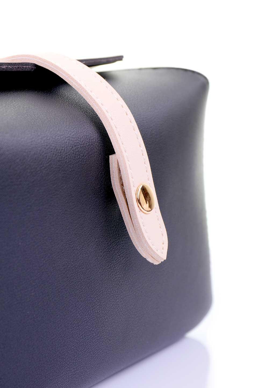 meliebiancoのDyanna(Black)/海外ファッション好きにオススメのインポートバッグとかばん、MelieBianco(メリービアンコ)のバッグやその他。コロコロした形がとても可愛いコンパクトなショルダーバッグ。ボディのカラーに映えるストラップのバイカラーがアクセントになっています。/main-5