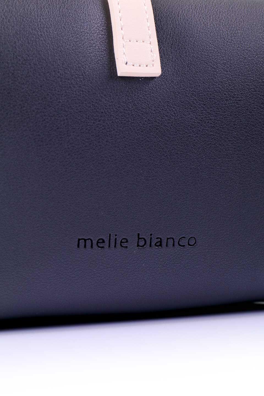 meliebiancoのDyanna(Black)/海外ファッション好きにオススメのインポートバッグとかばん、MelieBianco(メリービアンコ)のバッグやその他。コロコロした形がとても可愛いコンパクトなショルダーバッグ。ボディのカラーに映えるストラップのバイカラーがアクセントになっています。/main-6