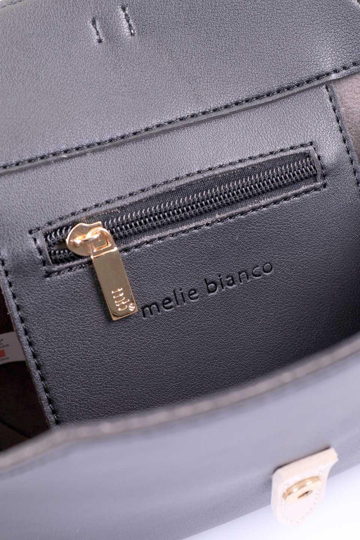 meliebiancoのDyanna(Black)/海外ファッション好きにオススメのインポートバッグとかばん、MelieBianco(メリービアンコ)のバッグやその他。コロコロした形がとても可愛いコンパクトなショルダーバッグ。ボディのカラーに映えるストラップのバイカラーがアクセントになっています。/main-8
