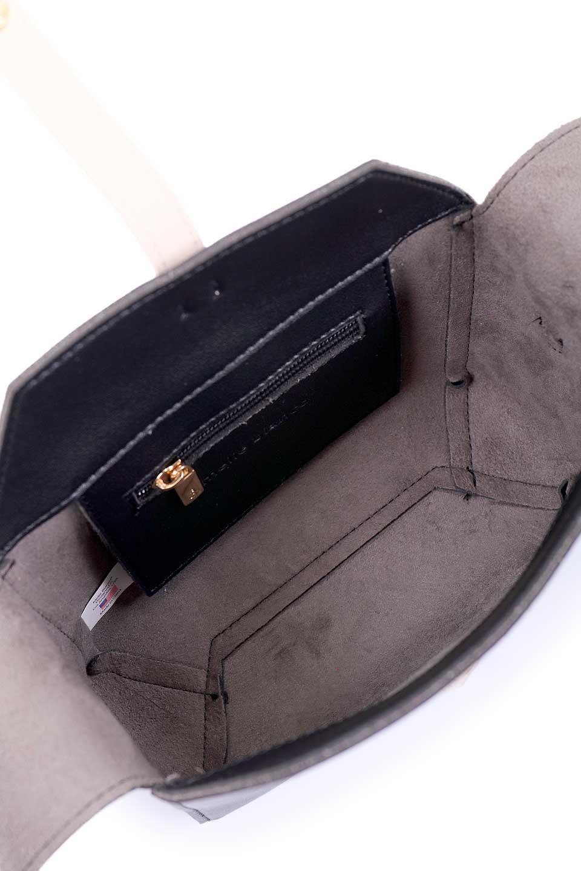 meliebiancoのDyanna(Black)/海外ファッション好きにオススメのインポートバッグとかばん、MelieBianco(メリービアンコ)のバッグやその他。コロコロした形がとても可愛いコンパクトなショルダーバッグ。ボディのカラーに映えるストラップのバイカラーがアクセントになっています。/main-9