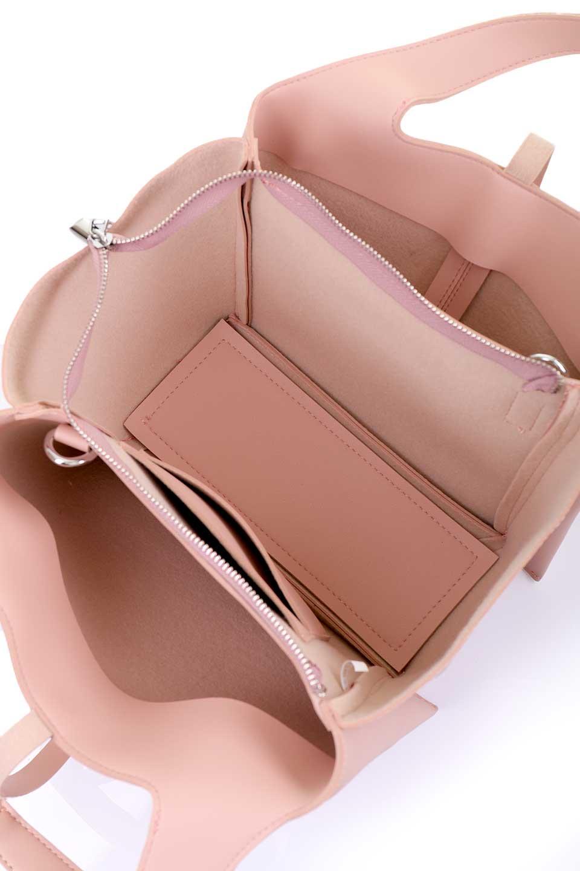 meliebiancoのSuzette(Blush)/海外ファッション好きにオススメのインポートバッグとかばん、MelieBianco(メリービアンコ)のバッグやハンドバッグ。コンパクトながら荷物の整理に適した便利なハンドバッグ。メインの荷室の他に大きなサイドポケットが付いています。/main-10