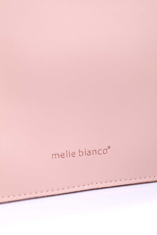 meliebiancoのSuzette(Blush)/海外ファッション好きにオススメのインポートバッグとかばん、MelieBianco(メリービアンコ)のバッグやハンドバッグ。コンパクトながら荷物の整理に適した便利なハンドバッグ。メインの荷室の他に大きなサイドポケットが付いています。/main-7