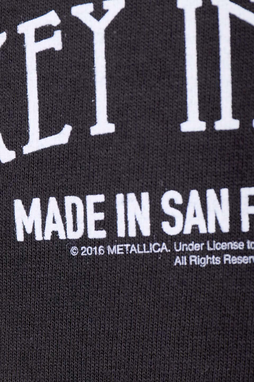 MetallicaWhiskeyLabel大人カジュアルに最適な海外ファッションのothers(その他インポートアイテム)のトップスやTシャツ。フェススタイルから普段着まで、デニムショーツやマキシスカート、組み合わせには困らないバンドT。女性に合わせやすいようにメンズサイズのSをセレクト。/main-7