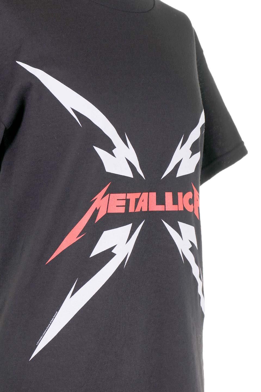 MetallicaMirroredMS大人カジュアルに最適な海外ファッションのothers(その他インポートアイテム)のトップスやTシャツ。フェススタイルから普段着まで、デニムショーツやマキシスカート、組み合わせには困らないバンドT。女性に合わせやすいようにメンズサイズのSをセレクト。/main-5