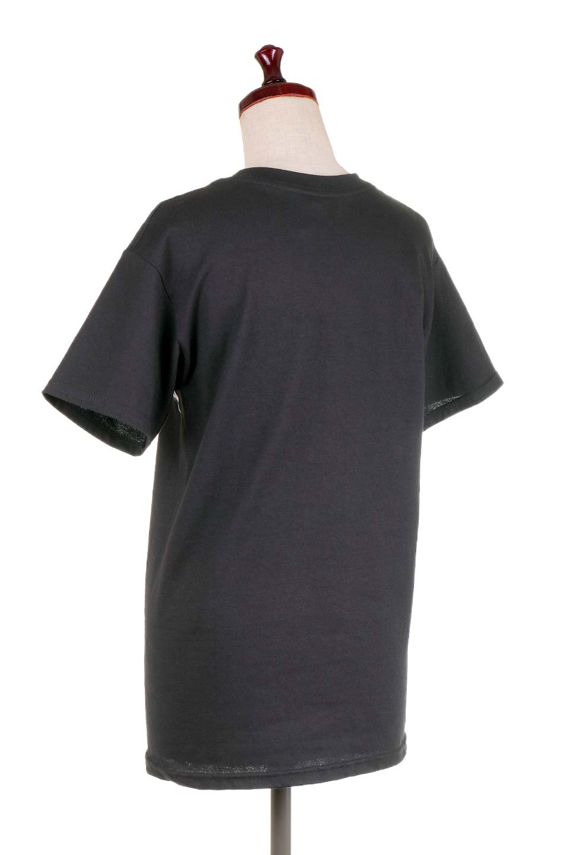 MetallicaBlackandWhiteLogo大人カジュアルに最適な海外ファッションのothers(その他インポートアイテム)のトップスやTシャツ。フェススタイルから普段着まで、デニムショーツやマキシスカート、組み合わせには困らないバンドT。女性に合わせやすいようにメンズサイズのSをセレクト。/main-3