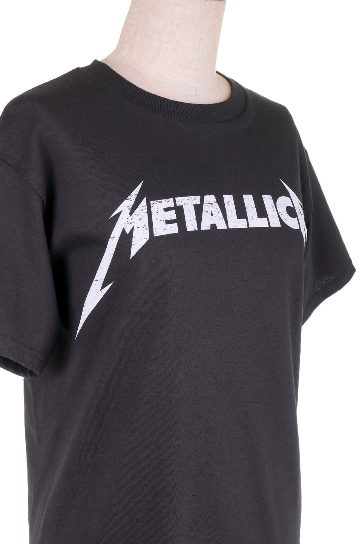 MetallicaBlackandWhiteLogo大人カジュアルに最適な海外ファッションのothers(その他インポートアイテム)のトップスやTシャツ。フェススタイルから普段着まで、デニムショーツやマキシスカート、組み合わせには困らないバンドT。女性に合わせやすいようにメンズサイズのSをセレクト。/main-5