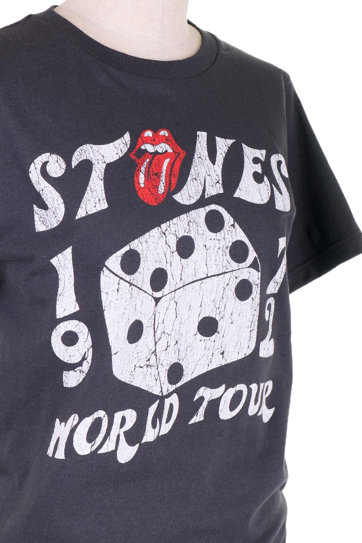 RollingStones1972Dice30/1EnzymeWashed大人カジュアルに最適な海外ファッションのothers(その他インポートアイテム)のトップスやTシャツ。フェススタイルから普段着まで、デニムショーツやマキシスカート、組み合わせには困らないバンドT。女性に合わせやすいようにメンズサイズのSをセレクト。/main-5