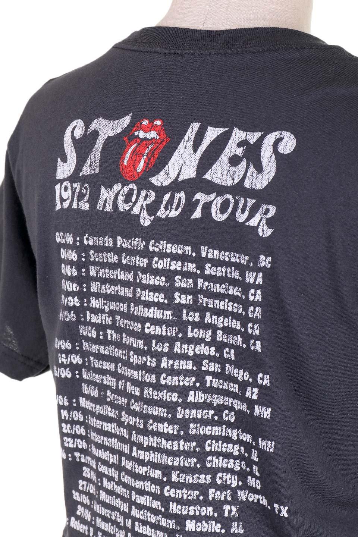 RollingStones1972Dice30/1EnzymeWashed大人カジュアルに最適な海外ファッションのothers(その他インポートアイテム)のトップスやTシャツ。フェススタイルから普段着まで、デニムショーツやマキシスカート、組み合わせには困らないバンドT。女性に合わせやすいようにメンズサイズのSをセレクト。/main-6
