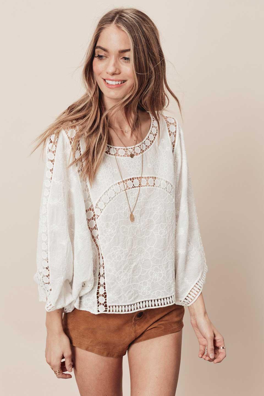 LOVESTITCHのBenjiTop/海外ファッションが好きな大人カジュアルのためのLOVESTITCH(ラブステッチ)のトップスやシャツ・ブラウス。全面に刺繍が施された7分袖のシースルーブラウス。ライン状のレースが可愛いデザインです。/main-6