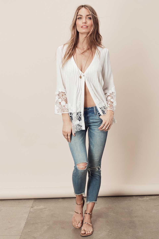 LOVESTITCHのRashidaBlouse/海外ファッションが好きな大人カジュアルのためのLOVESTITCH(ラブステッチ)のトップスやシャツ・ブラウス。袖と裾のカットワークレースがとても可愛いブラウス。胸元のピンタックや広めのVゾーンからの一つボタンやレースのシースルー具合・・・どれもこれもカワイイだらけのブラウスです。/main-6