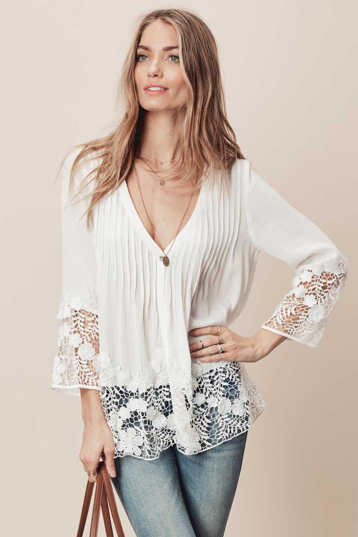 LOVESTITCHのRashidaBlouse/海外ファッションが好きな大人カジュアルのためのLOVESTITCH(ラブステッチ)のトップスやシャツ・ブラウス。袖と裾のカットワークレースがとても可愛いブラウス。胸元のピンタックや広めのVゾーンからの一つボタンやレースのシースルー具合・・・どれもこれもカワイイだらけのブラウスです。/main-9