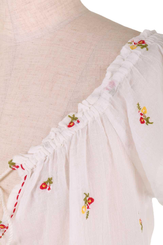LOVESTITCHのOliviaTop/海外ファッションが好きな大人カジュアルのためのLOVESTITCH(ラブステッチ)のトップスやカットソー。白地に可憐な赤い小花柄が可愛らしいカットソー。首繰りはゴムなので、オフショルとしても楽しむ事ができます。/main-10