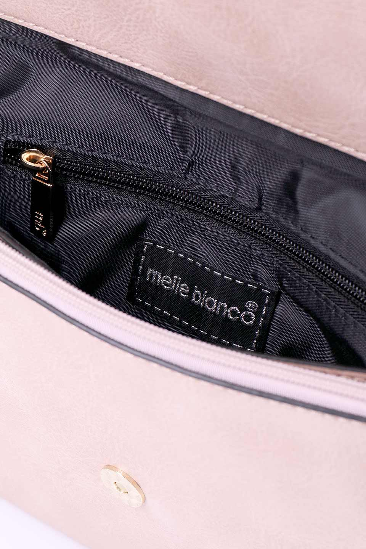 meliebiancoのRobbie(Blush)2WAYショルダーバッグ/海外ファッション好きにオススメのインポートバッグとかばん、MelieBianco(メリービアンコ)のバッグやショルダーバッグ。フラップの編み込みとフリンジが可愛いショルダーバッグ。凝ったフラップのデザインですが、同色なのでやり過ぎ感は感じられません。/main-10