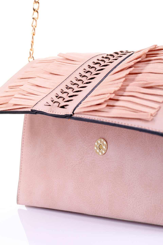 meliebiancoのRobbie(Blush)2WAYショルダーバッグ/海外ファッション好きにオススメのインポートバッグとかばん、MelieBianco(メリービアンコ)のバッグやショルダーバッグ。フラップの編み込みとフリンジが可愛いショルダーバッグ。凝ったフラップのデザインですが、同色なのでやり過ぎ感は感じられません。/main-8