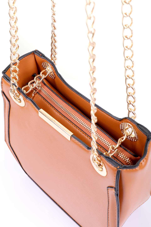 meliebiancoのReed(Tan)/海外ファッション好きにオススメのインポートバッグ、MelieBianco(メリービアンコ)のバッグやショルダーバッグ。カクカクとしたジオメトリックシルエットが特徴のショルダーバッグ。ボディのシャープなイメージとゴールドパーツのコンビネーションが素敵なアイテムです。/main-10