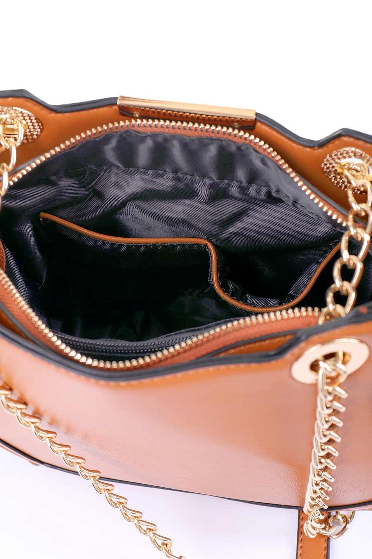 meliebiancoのReed(Tan)/海外ファッション好きにオススメのインポートバッグ、MelieBianco(メリービアンコ)のバッグやショルダーバッグ。カクカクとしたジオメトリックシルエットが特徴のショルダーバッグ。ボディのシャープなイメージとゴールドパーツのコンビネーションが素敵なアイテムです。/main-11