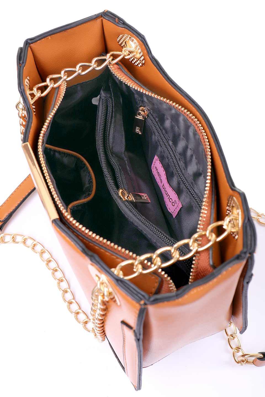 meliebiancoのReed(Tan)/海外ファッション好きにオススメのインポートバッグ、MelieBianco(メリービアンコ)のバッグやショルダーバッグ。カクカクとしたジオメトリックシルエットが特徴のショルダーバッグ。ボディのシャープなイメージとゴールドパーツのコンビネーションが素敵なアイテムです。/main-12