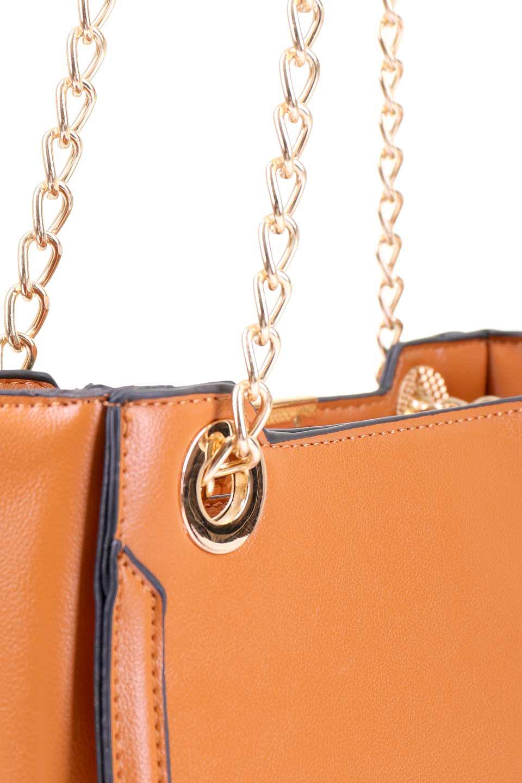 meliebiancoのReed(Tan)/海外ファッション好きにオススメのインポートバッグ、MelieBianco(メリービアンコ)のバッグやショルダーバッグ。カクカクとしたジオメトリックシルエットが特徴のショルダーバッグ。ボディのシャープなイメージとゴールドパーツのコンビネーションが素敵なアイテムです。/main-8