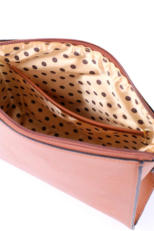 meliebiancoのByron(Saddle)/海外ファッション好きにオススメのインポートバッグ、MelieBianco(メリービアンコ)のバッグやショルダーバッグ。メリービアンコ自慢のシットリとしたビーガンレザーを使用したコンパクトなショルダーバッグ。ファスナーの引手についたマルチカラーのタッセルが可愛いアクセント。/main-11
