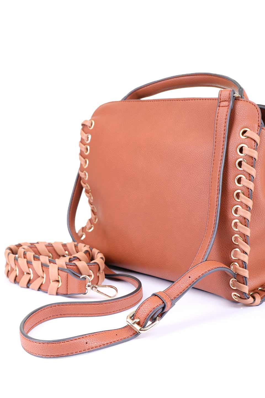 meliebiancoのDelisia(Saddle)2WAYハンドバッグ/海外ファッション好きにオススメのインポートバッグとかばん、MelieBianco(メリービアンコ)のバッグやハンドバッグ。バイカラーのアクセントが可愛いお手頃サイズのハンドバッグ。広い荷室は中央のポケットがパーテションになっています。/main-10