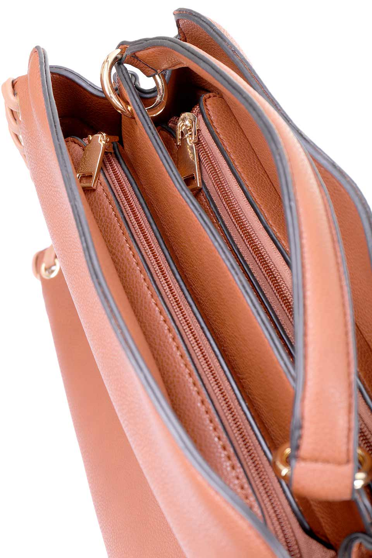 meliebiancoのDelisia(Saddle)2WAYハンドバッグ/海外ファッション好きにオススメのインポートバッグとかばん、MelieBianco(メリービアンコ)のバッグやハンドバッグ。バイカラーのアクセントが可愛いお手頃サイズのハンドバッグ。広い荷室は中央のポケットがパーテションになっています。/main-11