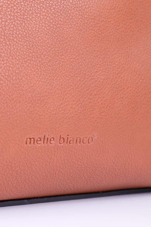 meliebiancoのDelisia(Saddle)2WAYハンドバッグ/海外ファッション好きにオススメのインポートバッグとかばん、MelieBianco(メリービアンコ)のバッグやハンドバッグ。バイカラーのアクセントが可愛いお手頃サイズのハンドバッグ。広い荷室は中央のポケットがパーテションになっています。/main-9