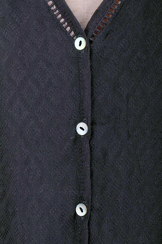 LOVESTITCHのAvaBlouse(Black)ベルスリーブ・レースブラウス/海外ファッションが好きな大人カジュアルのためのLOVESTITCH(ラブステッチ)のトップスやシャツ・ブラウス。立体感のあるジャカート織とクロシェレースのブラウス。暑い夏の日でも涼しげな絶妙な袖の長さです。/main-13