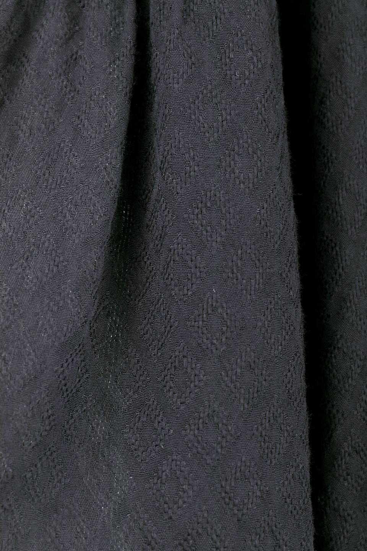 LOVESTITCHのAvaBlouse(Black)ベルスリーブ・レースブラウス/海外ファッションが好きな大人カジュアルのためのLOVESTITCH(ラブステッチ)のトップスやシャツ・ブラウス。立体感のあるジャカート織とクロシェレースのブラウス。暑い夏の日でも涼しげな絶妙な袖の長さです。/main-15
