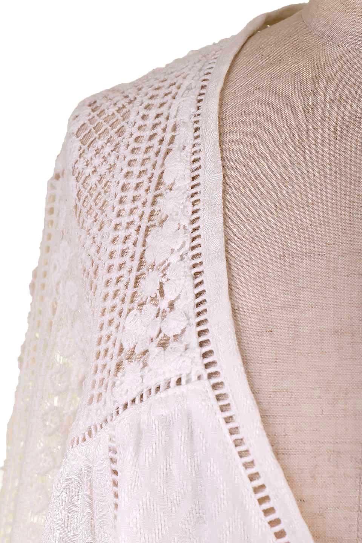 LOVESTITCHのAvaBlouse(OffWhite)ベルスリーブ・レースブラウス/海外ファッションが好きな大人カジュアルのためのLOVESTITCH(ラブステッチ)のトップスやシャツ・ブラウス。立体感のあるジャカート織とクロシェレースのブラウス。暑い夏の日でも涼しげな絶妙な袖の長さです。/main-10