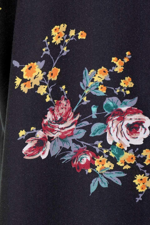 LOVESTITCHのBardotDress(Black)花柄ミディワンピース/海外ファッションが好きな大人カジュアルのためのLOVESTITCH(ラブステッチ)のワンピースやミディワンピース。セクシーなスリットが魅力のシャツワンピース。シャツワンピですが、ボタンを開けてロングカーデ風の着こなしにも対応。/main-15