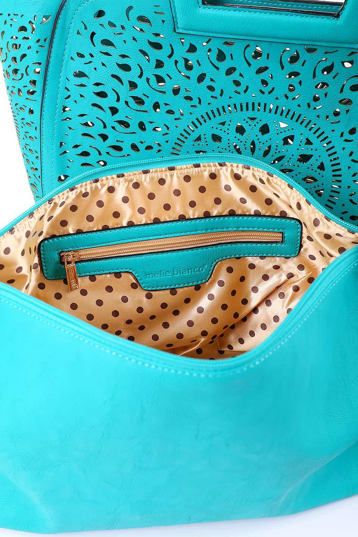 meliebiancoのNancy(Turquoise)/海外ファッション好きにオススメのインポートバッグ、MelieBianco(メリービアンコ)のバッグやハンドバッグ。ソフトなビーガンレザーにレーザーカット加工を施した涼しげなトートバッグ。付属するインナーバッグの方にはメリービアンコ定番のドット柄の裏地とポケットが付いています。/main-8
