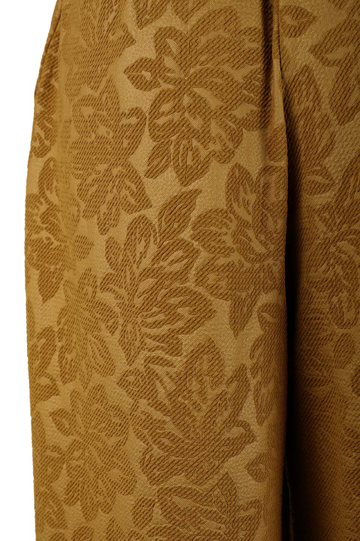 FloralEmbossingWidePants花柄エンボス・ワイドパンツ大人カジュアルに最適な海外ファッションのothers(その他インポートアイテム)のボトムやパンツ。花柄エンボス加工が印象的なワイドパンツ。季節感のあるカラーリングと生地感が魅力のアイテム。/main-7