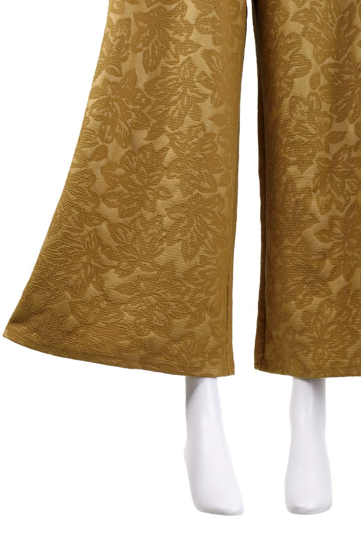 FloralEmbossingWidePants花柄エンボス・ワイドパンツ大人カジュアルに最適な海外ファッションのothers(その他インポートアイテム)のボトムやパンツ。花柄エンボス加工が印象的なワイドパンツ。季節感のあるカラーリングと生地感が魅力のアイテム。/main-9