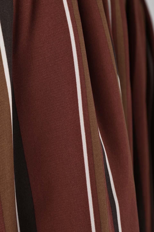 Multi-StripeFlaredSkirtマルチストライプ・スカート大人カジュアルに最適な海外ファッションのothers(その他インポートアイテム)のボトムやスカート。レトロな雰囲気のテールカットスカート。もはや定番人気のマルチストライプのアイテム。/main-6