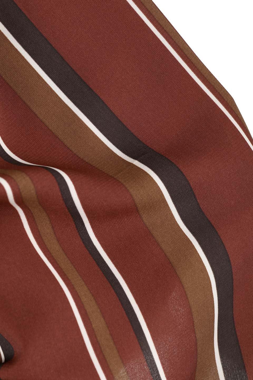 Multi-StripeFlaredSkirtマルチストライプ・スカート大人カジュアルに最適な海外ファッションのothers(その他インポートアイテム)のボトムやスカート。レトロな雰囲気のテールカットスカート。もはや定番人気のマルチストライプのアイテム。/main-7