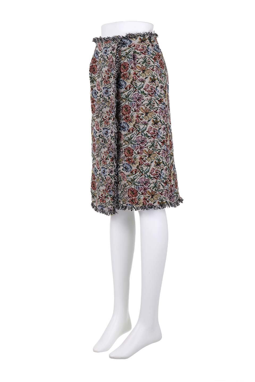 FringeSemiTightSkirt花柄ゴブラン織りスカート大人カジュアルに最適な海外ファッションのothers(その他インポートアイテム)のボトムやスカート。落ち着いた配色の花柄が可愛いセミタイトスカート。厚めの生地でタイト目のシルエットですがラップスカートなので窮屈さはあまりありません。/main-11