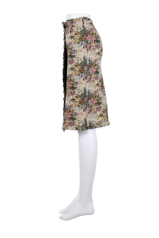 FringeSemiTightSkirt花柄ゴブラン織りスカート大人カジュアルに最適な海外ファッションのothers(その他インポートアイテム)のボトムやスカート。落ち着いた配色の花柄が可愛いセミタイトスカート。厚めの生地でタイト目のシルエットですがラップスカートなので窮屈さはあまりありません。/main-17