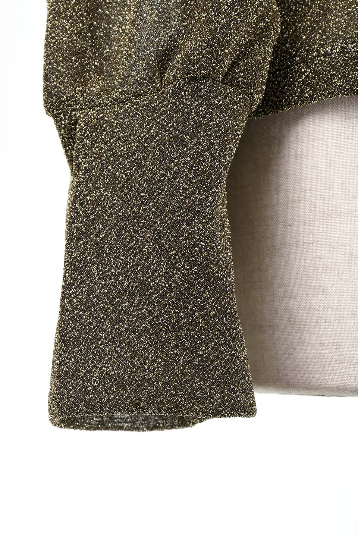 FrillTrimGlitterKnitTopラメニット・フリルブラウス大人カジュアルに最適な海外ファッションのothers(その他インポートアイテム)のトップスやシャツ・ブラウス。レトロな雰囲気のフリルブラウス。シックで落ち着いたトーンのゴールドがゴージャス感とレトロ感を醸し出します。/main-8