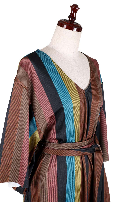 MulticolorStripeTieWaistDressマルチストライプ・レトロワンピース大人カジュアルに最適な海外ファッションのothers(その他インポートアイテム)のワンピースやミディワンピース。大ぶりなマルチストライプが可愛いミディワンピース。若干光沢のある生地がシックなイメージのアイテム。/main-5