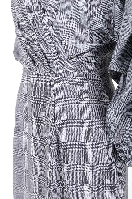 GlencheckRuchedSleeveDressグレンチェック・ワンピース大人カジュアルに最適な海外ファッションのothers(その他インポートアイテム)のワンピースやミディワンピース。ボリューム感のある袖が特徴のグレンチェックのワンピース。グレンチェックは今季大注目の柄。/main-9