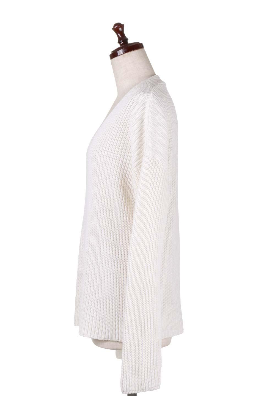 WashedV-neckPulloverウォッシュ加工・Vネックセーター大人カジュアルに最適な海外ファッションのothers(その他インポートアイテム)のトップスやニット・セーター。シンプルデザインのVネックのルーズセーター。ウォッシュ加工が魅力のこのセーターは、コットンなので春先まで楽しめます。/main-12