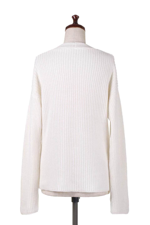 WashedV-neckPulloverウォッシュ加工・Vネックセーター大人カジュアルに最適な海外ファッションのothers(その他インポートアイテム)のトップスやニット・セーター。シンプルデザインのVネックのルーズセーター。ウォッシュ加工が魅力のこのセーターは、コットンなので春先まで楽しめます。/main-14