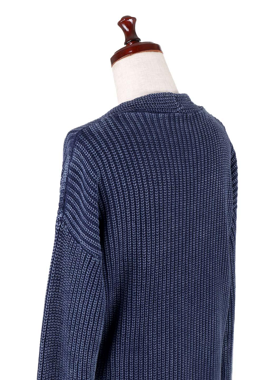 WashedV-neckPulloverウォッシュ加工・Vネックセーター大人カジュアルに最適な海外ファッションのothers(その他インポートアイテム)のトップスやニット・セーター。シンプルデザインのVネックのルーズセーター。ウォッシュ加工が魅力のこのセーターは、コットンなので春先まで楽しめます。/main-6