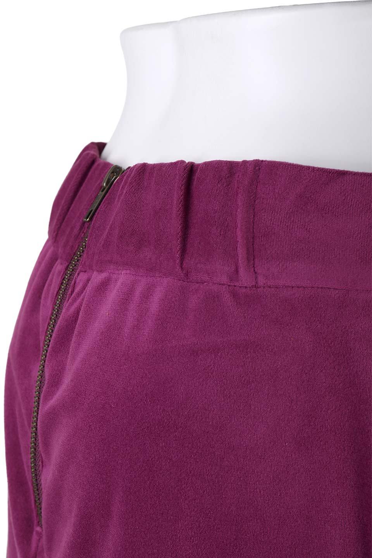 VelveteenWrapSkirtベッチン素材ラップスカート大人カジュアルに最適な海外ファッションのothers(その他インポートアイテム)のボトムやスカート。肌触りの良い別珍素材のラップスカート。スタイルが良く見えるペンシルスカートタイプのシルエットで、ヒールの高いパンプスでもカジュアルなスニーカーでもOK。/main-6