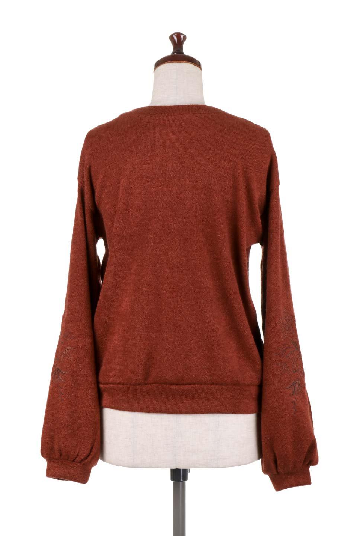 EmbroideredSleeveSoftknitTop刺繍入り・ソフトニットトップス大人カジュアルに最適な海外ファッションのothers(その他インポートアイテム)のトップスやニット・セーター。刺繍入りのボリューミーな袖が可愛いトップス。なめらかでソフトな生地感です。/main-14