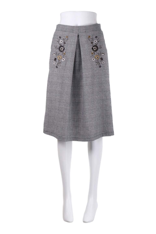 Glen-CheckFloralEmbro.Shkirtグレンチェック・タックスカート大人カジュアルに最適な海外ファッションのothers(その他インポートアイテム)のボトムやスカート。グレンチェックの花刺繍入りタックスカート。今季大人気のグレンチェックのアイテム。/main-10
