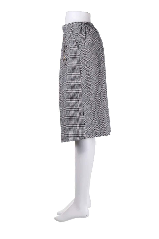 Glen-CheckFloralEmbro.Shkirtグレンチェック・タックスカート大人カジュアルに最適な海外ファッションのothers(その他インポートアイテム)のボトムやスカート。グレンチェックの花刺繍入りタックスカート。今季大人気のグレンチェックのアイテム。/main-12